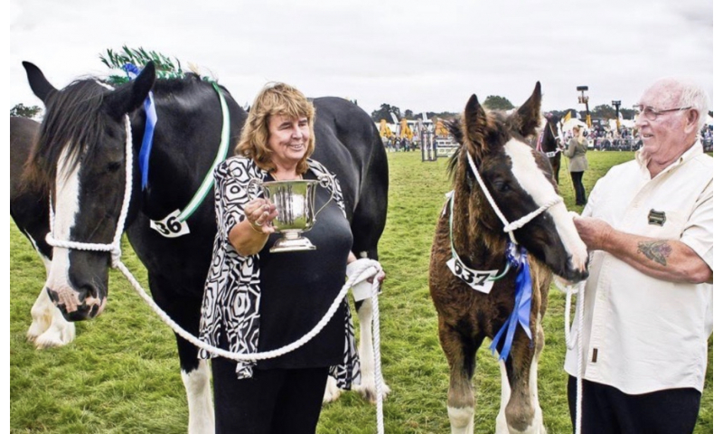 jackie-and-frank-with-shires